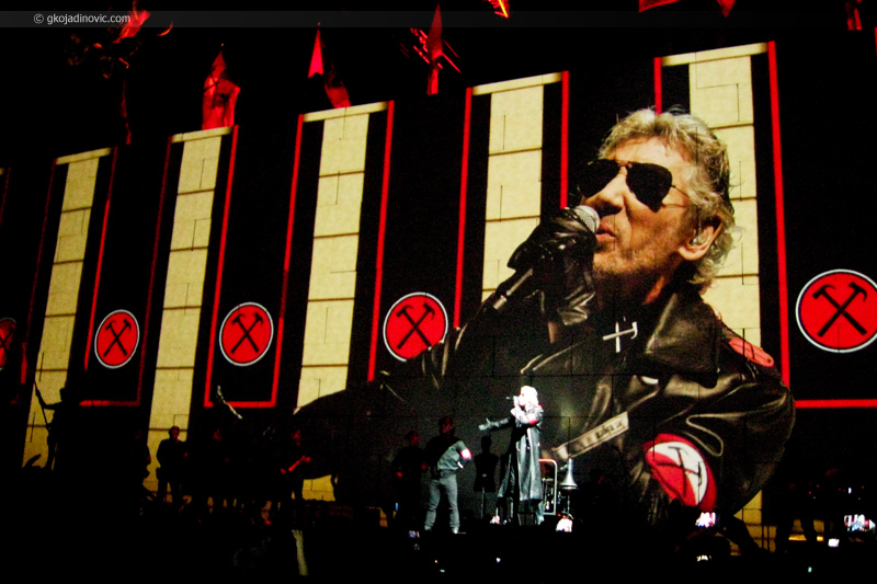 Roger Waters - The Wall Live in Belgrade 2013