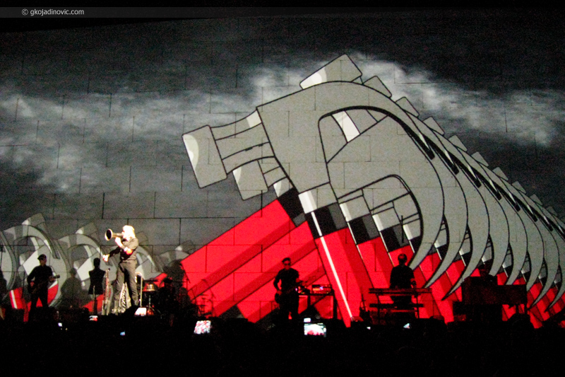 Roger Waters - The Wall Live in Belgrade 2013 - Marching Hammers