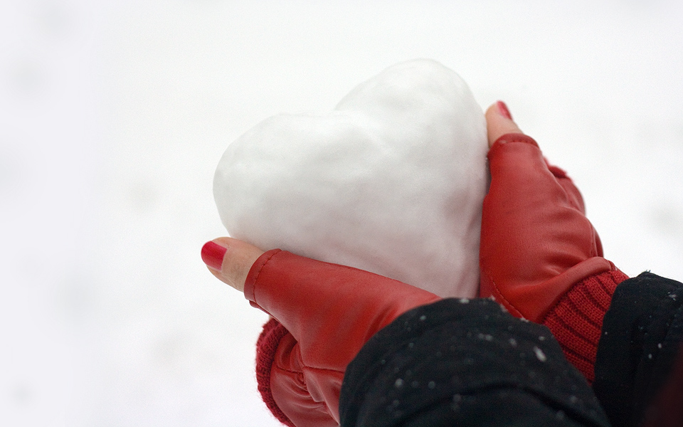 love cold heart snow winter copyright © goran kojadinovic